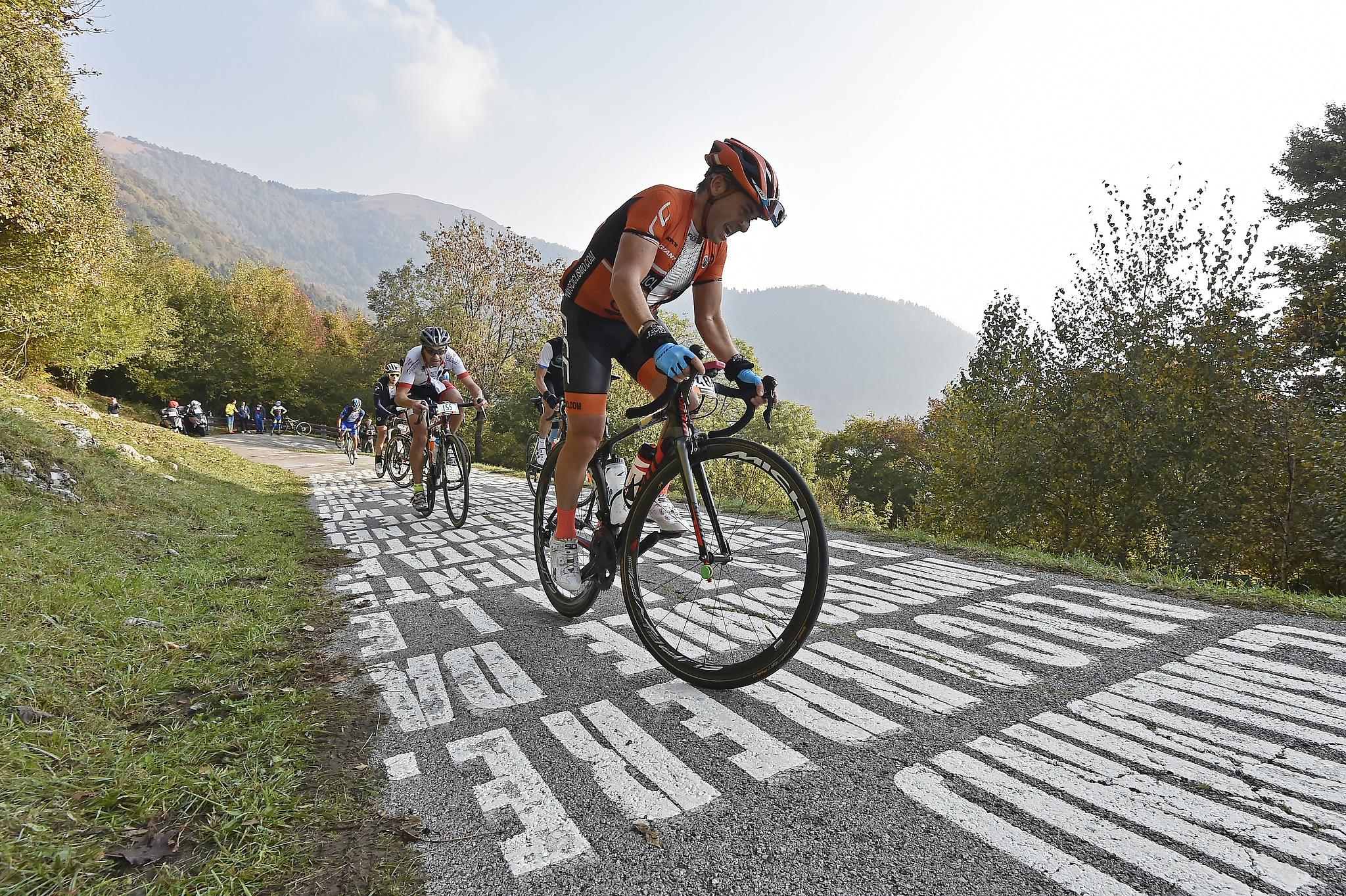 1,500 sportive riders on legendary roads